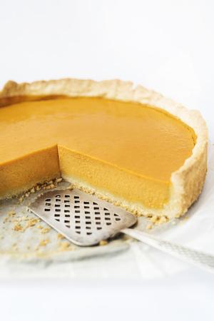 pumpkin pie: Pumpkin pie Isolated