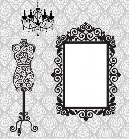 kleedkamer: Antieke frame, mannequin en kroonluchter