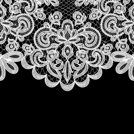 encaje: Invitación de la boda o tarjeta de felicitación con borde de encaje sobre fondo negro Vectores