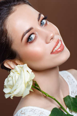 beautiful brunette girl with natural glowing makeup Standard-Bild