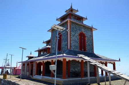 devi: Surkanda Devi - Hindu temple in India  Stock Photo