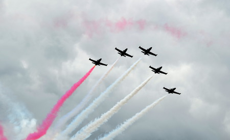 fails: Saint-Petersburg, International Maritime Defence Show 2015 IMDS-2015.   Aerobatic team Swifts - unsuccessful attempt to draw tricolor in the sky