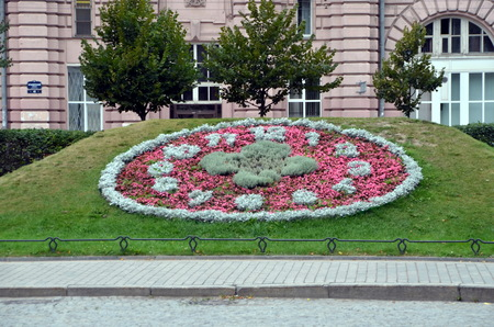 Huge floral clock without hands in the Alexander Park - Geneva gift in honor of the 300th anniversary of St. Petersburg Editorial
