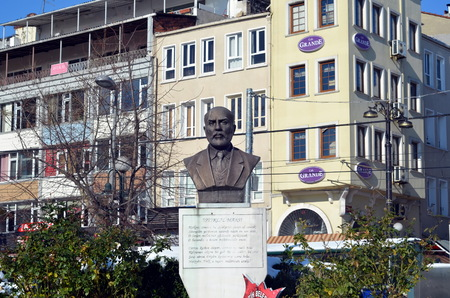 hymn: A bronze bust or statue of Mehmet Akif Ersoy, writer of the Turkish National Anthem 1923, the statue are placed in Istanbul, Fatih district