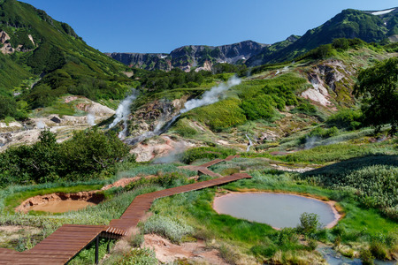 hot temper: Valle de los G�iseres. Kamchatka