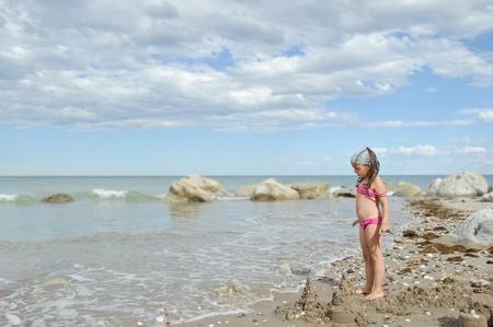 bandana girl: fille � la plage en jouant