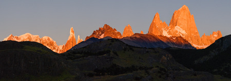 cerro fitzroy: First rays of sunrise on Mount Fitz Roy, panorama, Patagonia, Argentina, Los Glaciares National park