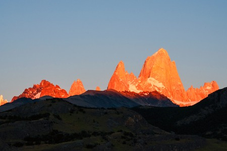 los glaciares: First rays of sunrise on Mount Fitz Roy, Patagonia, Argentina, Los Glaciares National park Stock Photo