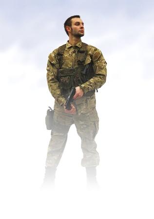 soldado: soldado patriota en niebla