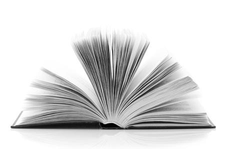 libro abierto: Libro abierto aislada sobre fondo blanco. Imagen B&W.