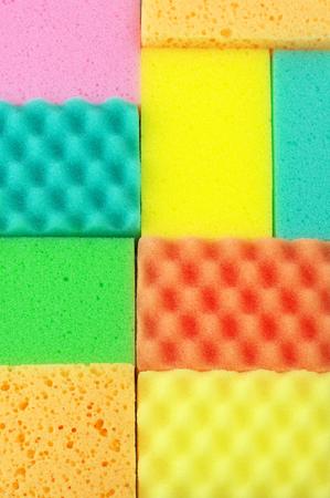 cleaning products: Coloridas esponjas de limpieza de cerca. Vista superior. Foto de archivo