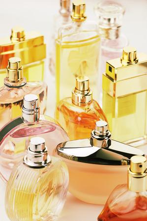Set van verschillende vrouw parfums. Stockfoto