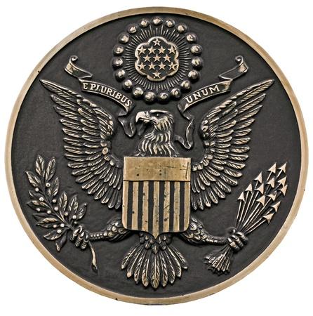 アメリカ合衆国、正面、クリッピング パスの偉大なシールのブロンズ製プラークのクローズ アップ