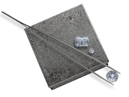 様々 なカットで働く宝石商アンビル ダイヤモンドとピンセットのクラスター