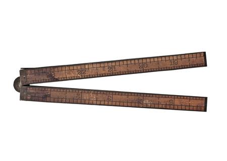 ročník zimostráz a mosaz pravítkem přes bílé, ořezové cesty