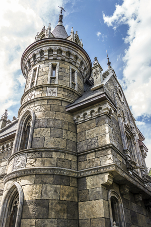 gothic style: Elements of architecture in the Gothic style