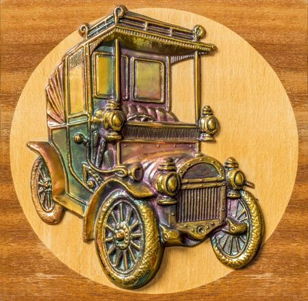 stamping: embossed picture the old car