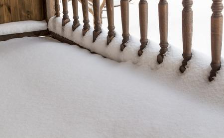 baranda para balcon: Barandilla porche bajo la nieve