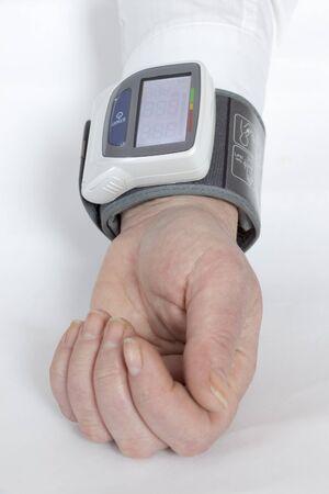 automatic: Automatic blood pressure monitor