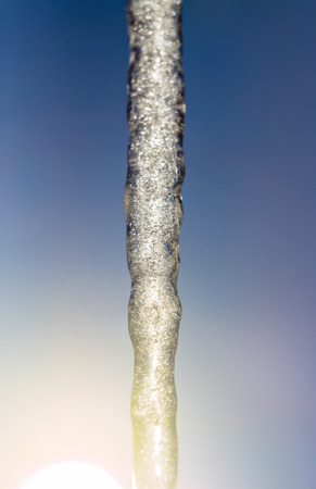 sopel lodu: Part of a large icicle
