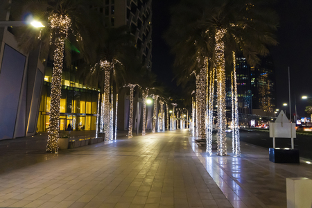 Walk through the streets of the night in Dubai. Reklamní fotografie
