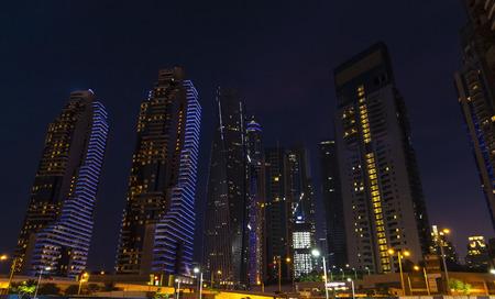 Dubais high rise houses in the evening. Dubai Marina district. 2018. Stockfoto