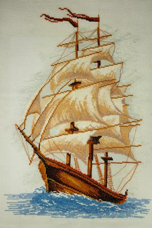 """pez vela: Hecho a mano en punto de cruz """"Pez Vela"""" - mi propio trabajo. Volando sobre las olas que navegan nave con velas llenas"""