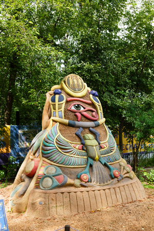 ojo de horus: Sokolniki, MOSCOW, RUSSIA - August 2, 2015: From time immemorial. Russian exhibition of sand sculptures. The composition of Egypt. Author Eugene Gomanom. Editorial