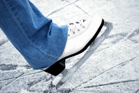skate on ice            photo