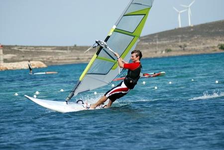 windsurfing: windsurf en movimiento