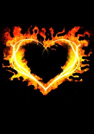quemadura: coraz�n llamas sobre fondo negro                          Foto de archivo