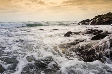 Beach rock and blue sea in Thailand Standard-Bild