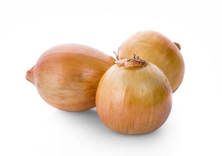 Zwiebeln lokalisiert auf weißem Hintergrund Standard-Bild