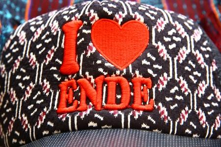 ende: Weaving Hat from Ende - Flores