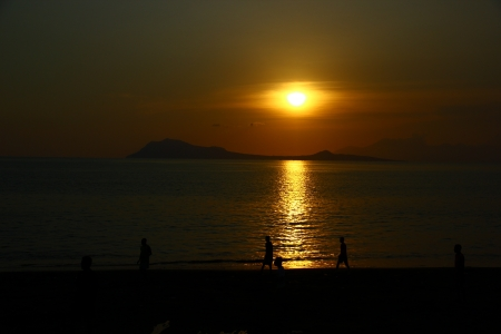 ende: Sunset at Ende beach - Flores