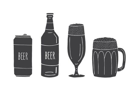 Vector set bundle of black hand drawn doodle sketch beer cans and bottles isolated on white background Иллюстрация