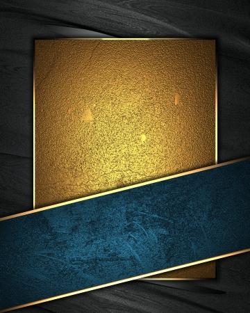 �gold: La plantilla para la inscripci�n del fondo Negro con placa de oro para la escritura, cinta azul constre�ida
