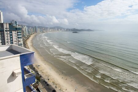 major ocean: Balnerio Cambori is a major beach resort in the Brazilian southern state of Santa Catarina  The town, with its steep hills dropping down to the sea, is popular amongst South Americans  The main ocean boulevard is called Avenida Atl&Atilde Atlantic Avenue