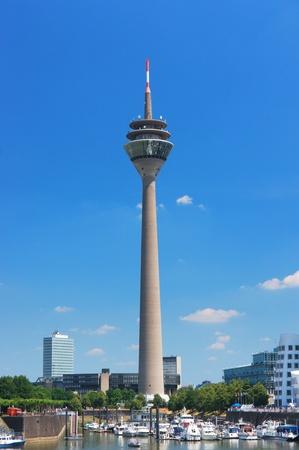 Media Port (Medienhafen) and Rheinturm tower Dusseldorf Standard-Bild