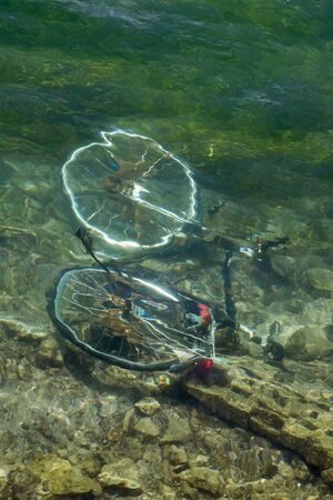 ahogarse: De bicicletas se ahogan en el agua del lago de Zurich