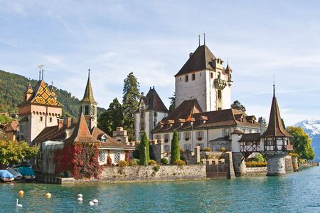 canton berne: Oberhofen castle on the lake Thun, Jungfrau region, Switzerland) Stock Photo