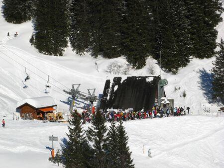 glarus: Skiing lift on the slope in Elm, Kanton Glarus, Switzerland