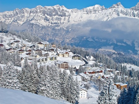 Small village in swiss alps Stock Photo - 7017693