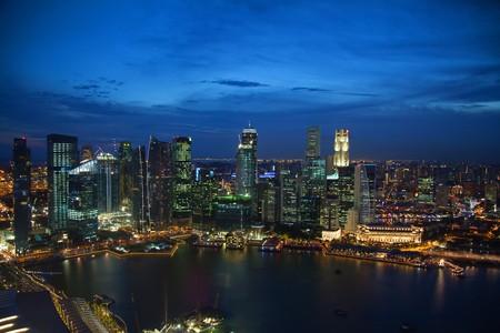 riverside landscape: Night view of Singapours famous downtown