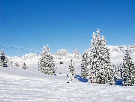 st  gallen: Invierno en los Alpes suizos (Flumserberg, St Gallen, Suiza)