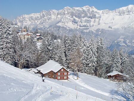 st  gallen: Invierno en los Alpes suizos (Flumserberg, St. Gallen, Suiza)