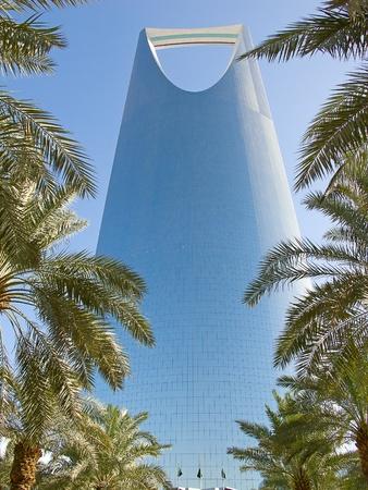 körfez: RİYAD - 22 Aralık: Riyad, Suudi Arabistan 22 Aralık 2009 tarihinde Türkiye kule. Krallık kule iş ve kongre merkezi, alışveriş merkezi ve Riyad şehrin ana yerlerinden biridir