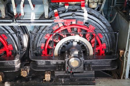 industrial mechanics: Motor el�ctrico gigante del tren moderno Foto de archivo