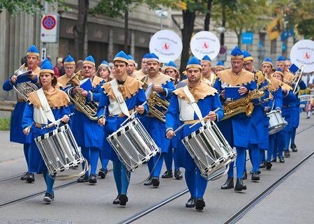 ZURICH - AUGUST 1: Swiss National Day parade on August 1, 2009 in Zurich, Switzerland. Zurich city orchestra in a historical costume. Stock Photo - 13580930