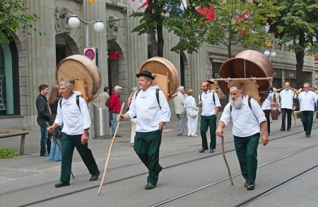 ZURICH - AUGUST 1: Swiss National Day parade on August 1, 2009 in Zurich, Switzerland. Representatives of canton Glarus in a historical costume. Stock Photo - 14143437
